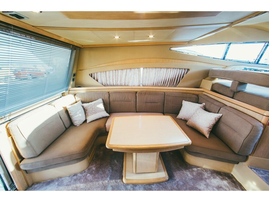 Ferretti 460 (Bluebell) Interior image - 12