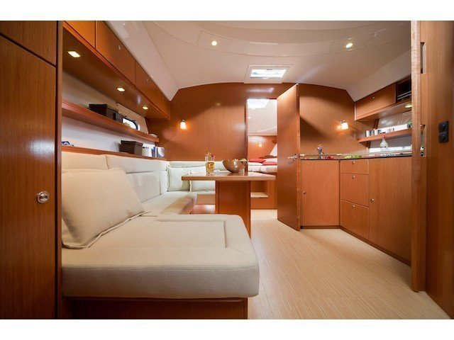 Bavaria 38 Sport (Dream 4) Interior image - 9