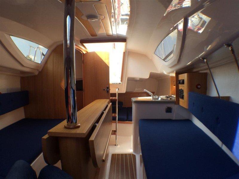 Maxus 22 Prestige (KEFISO) Interior image - 12