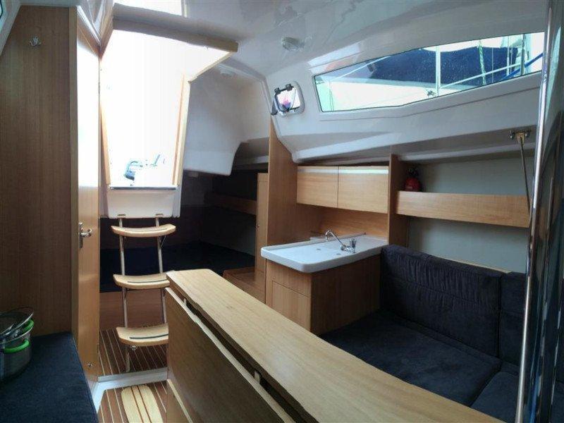 Maxus 26 Prestige + 8/1 (NUT) Interior image - 8