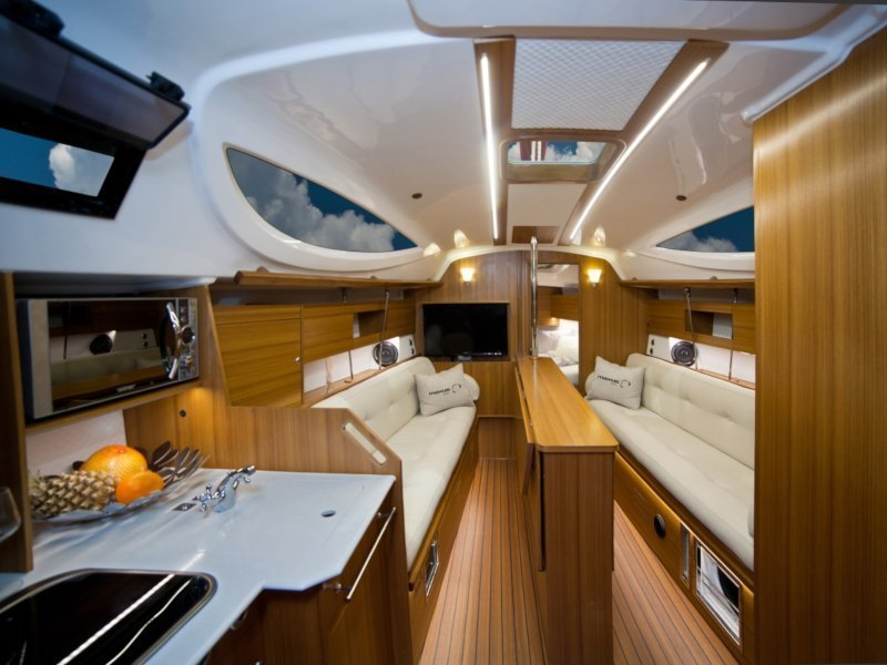 Maxus 33.1 RS Prestige + (FIERCE HEART) Interior image - 15