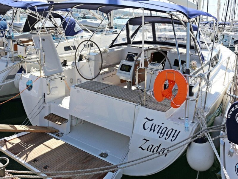 BAVARIA C 45 BT (19) (TWIGGY)  - 12