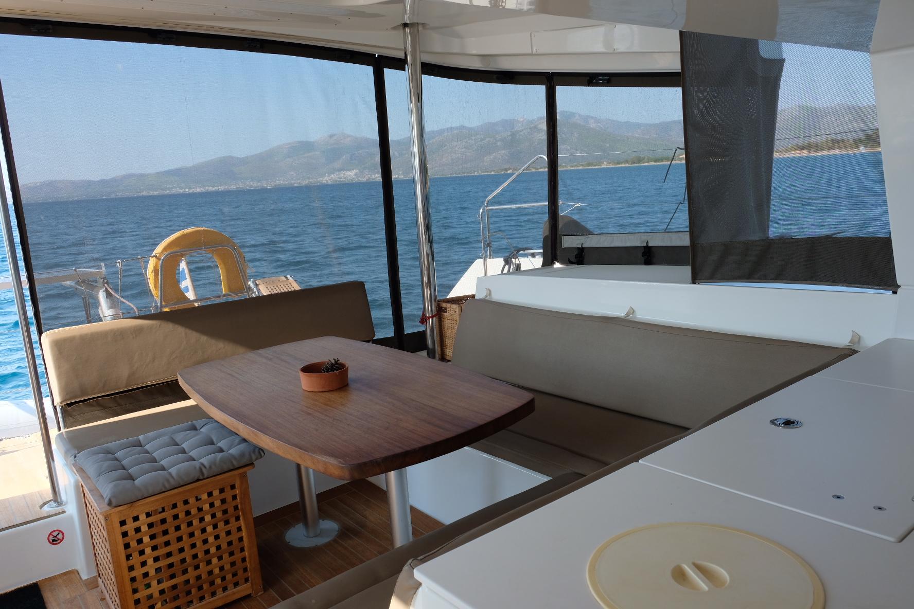 Lagoon 450 (IRIS IV (a/c-gen-watermaker-teak deck))  - 8