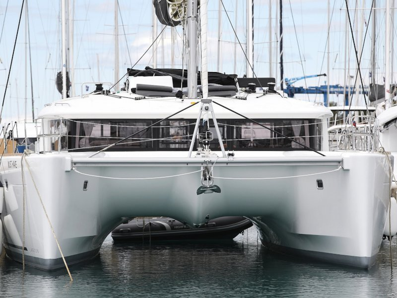 Lagoon 450 F (MUST HAVE AC all + generator + OB 20HP)  - 9