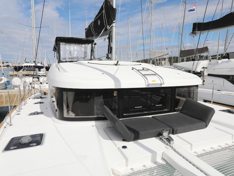 Lagoon 40-3 EXCLUSIVE (THE CURE OWNER VERSION AC salon + generator)  - 8