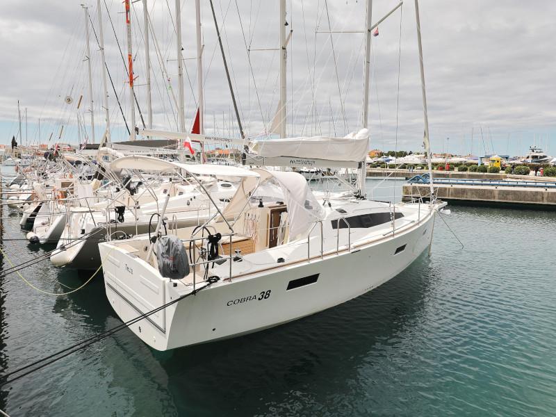 Cobra 38 (TEUTA Outboard Included)  - 46