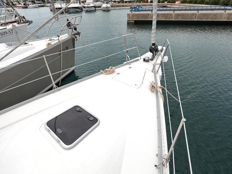 Cobra 38 (TEUTA Outboard Included)  - 45