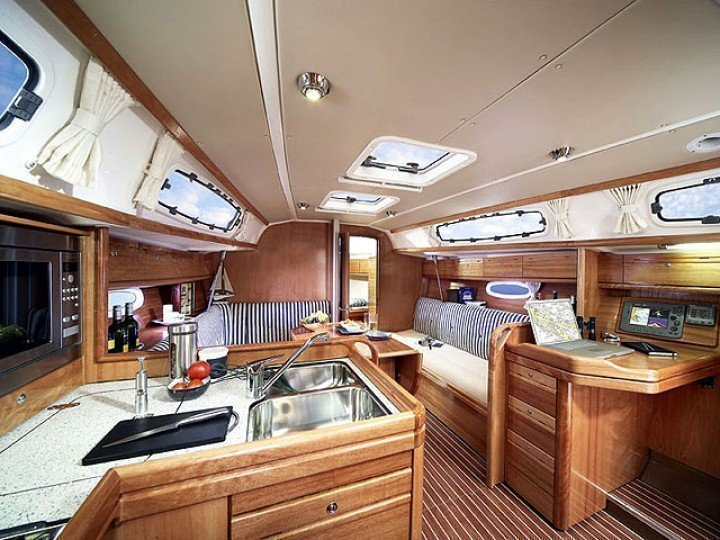 Bavaria Cruiser 34  (FEELING GOOD) Interior image - 1