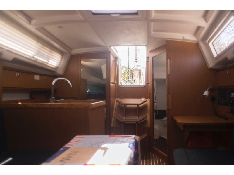 Bavaria 33 Cruiser (Why not 9) Interior image - 7