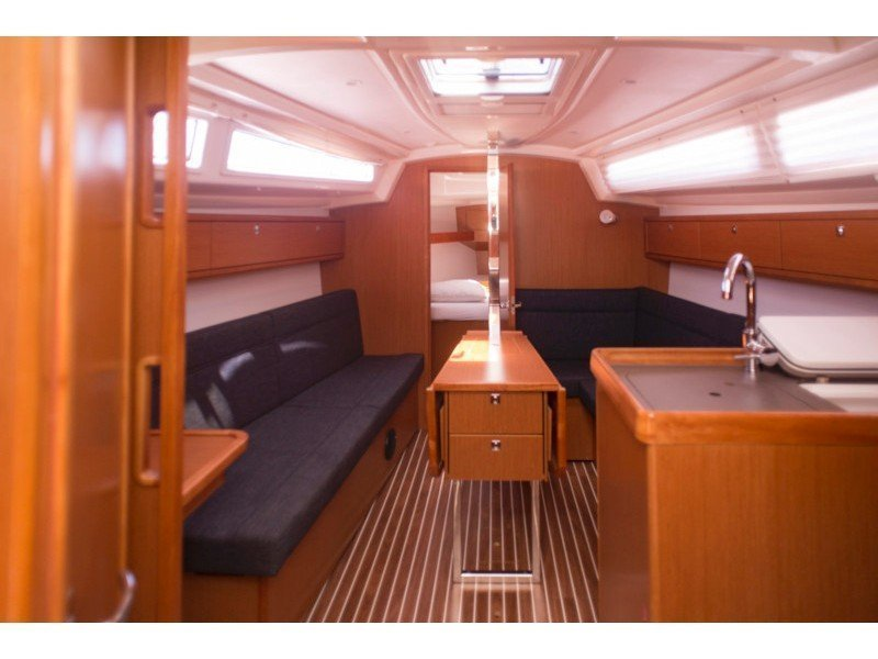 Bavaria 33 Cruiser (Why not 10) Interior image - 3