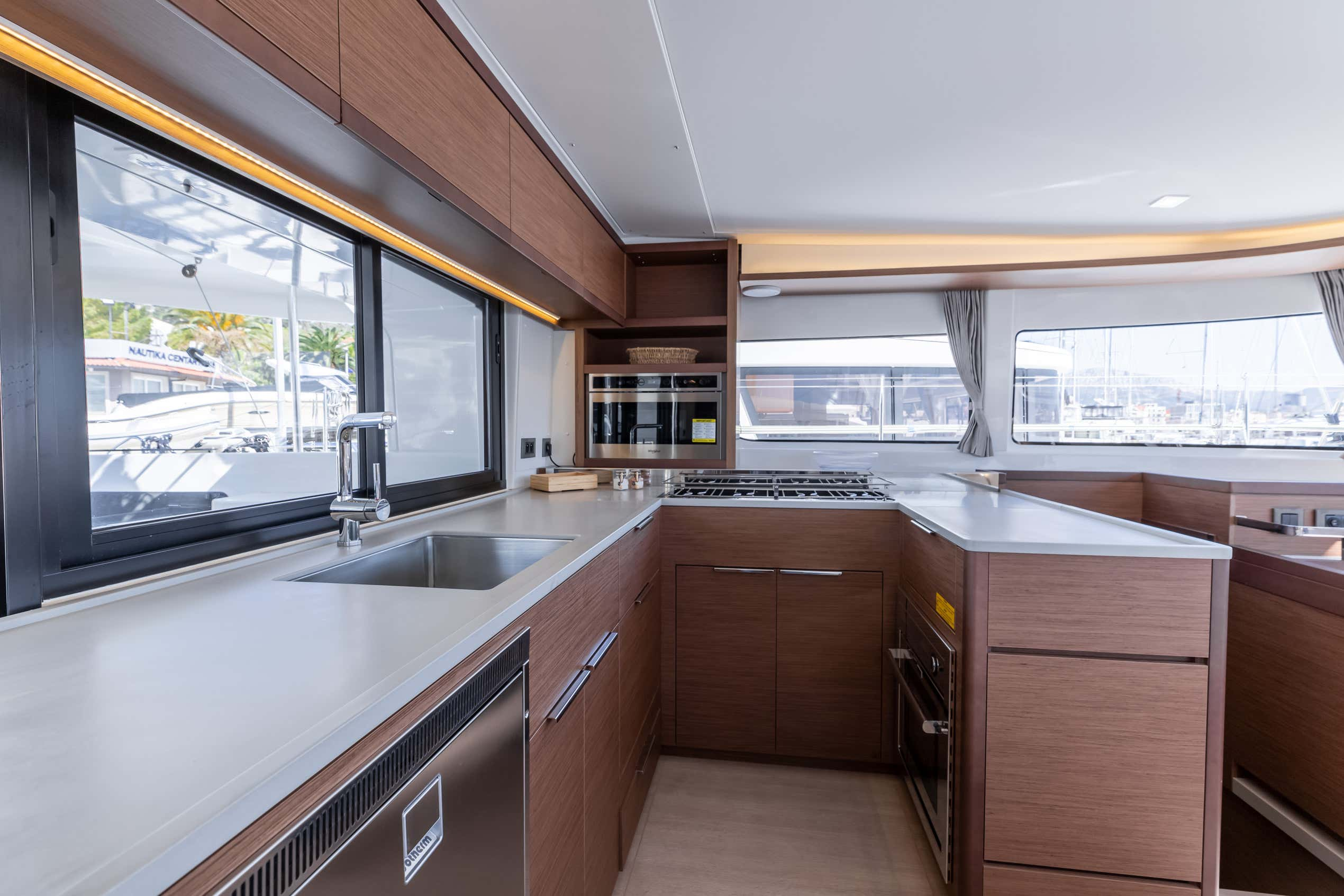 Lagoon 46 (2020) equipped with generator, A/C (sal (HANGOVER)  - 23
