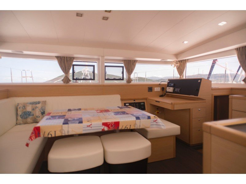 Lagoon 400 S2 (Why not 11) Interior image - 5