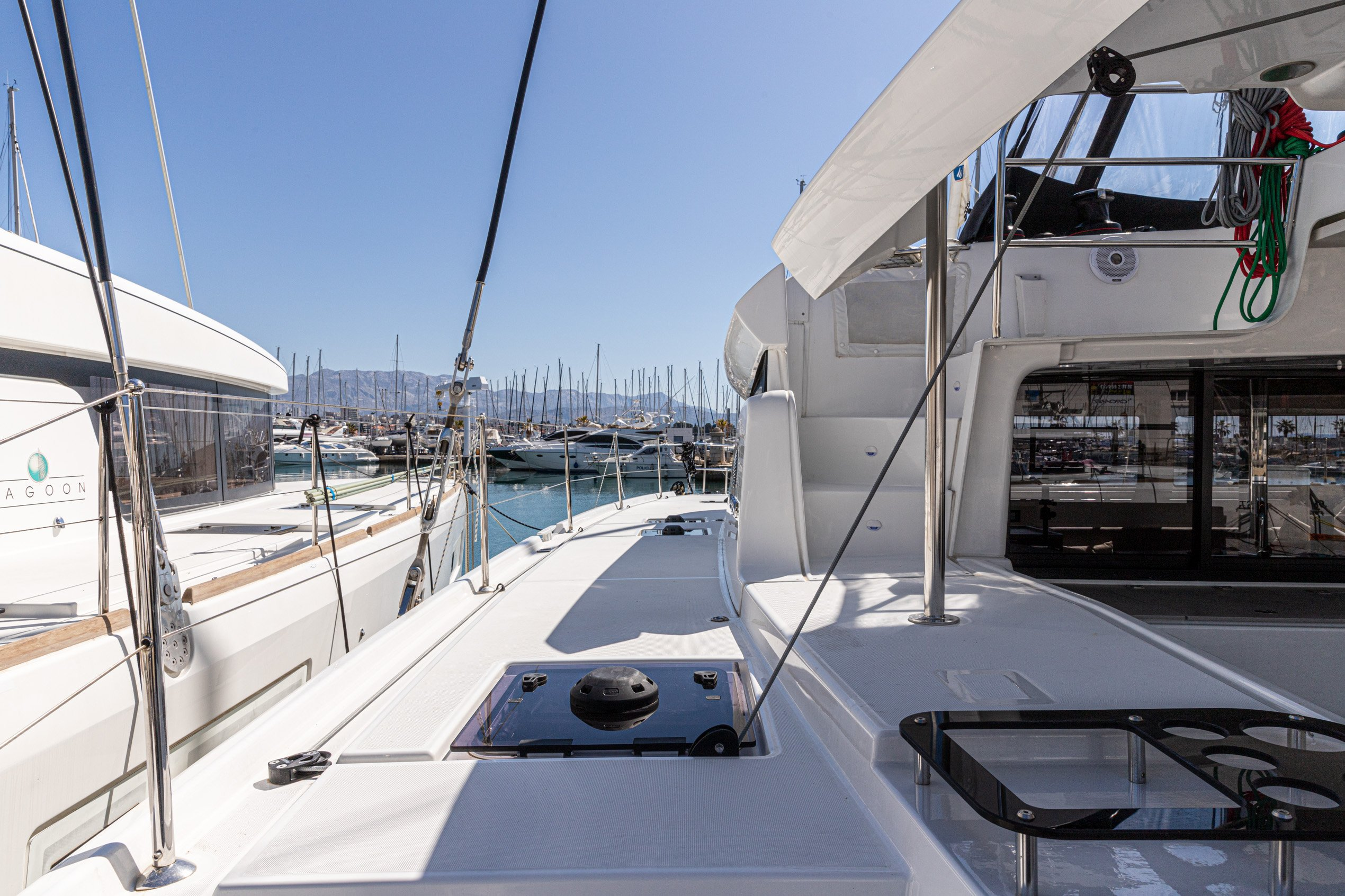 Lagoon 46 (2020) equipped with generator, A/C (sal (HANGOVER)  - 25