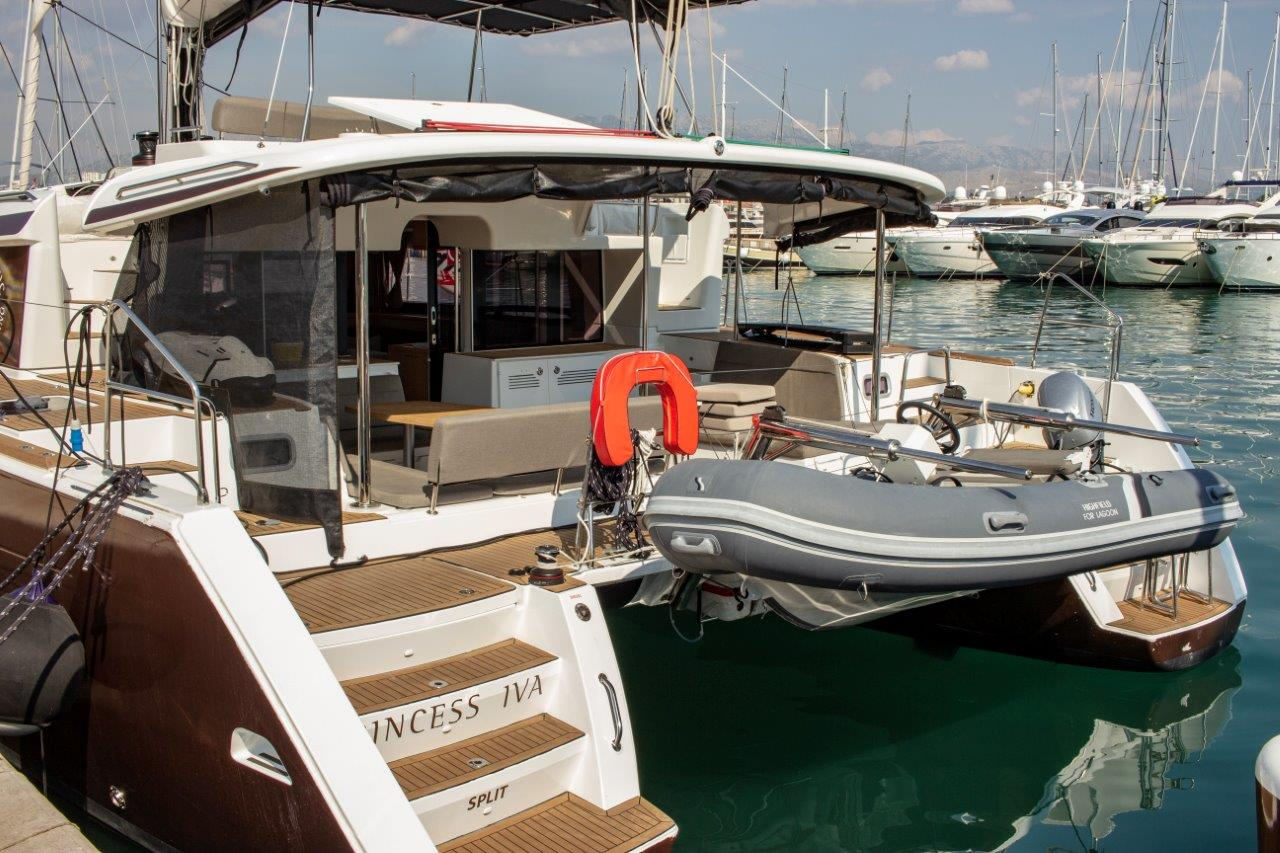 Lagoon 450 F (2016)equipped with generator, A/C (s (PRINCESS IVA)  - 11