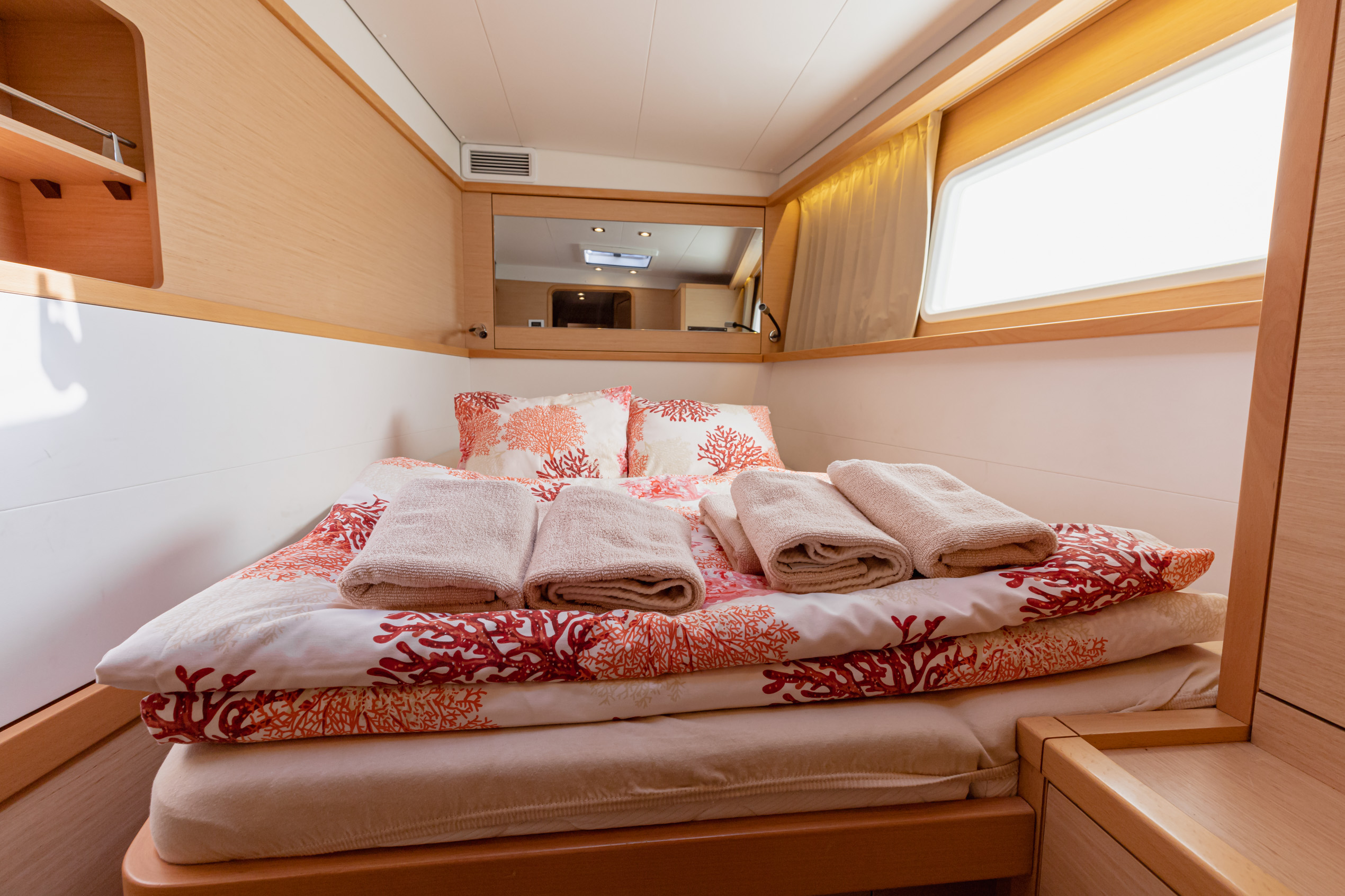 Lagoon 450 (2016) equipped with generator, A/C (sa (SMILE I)  - 21
