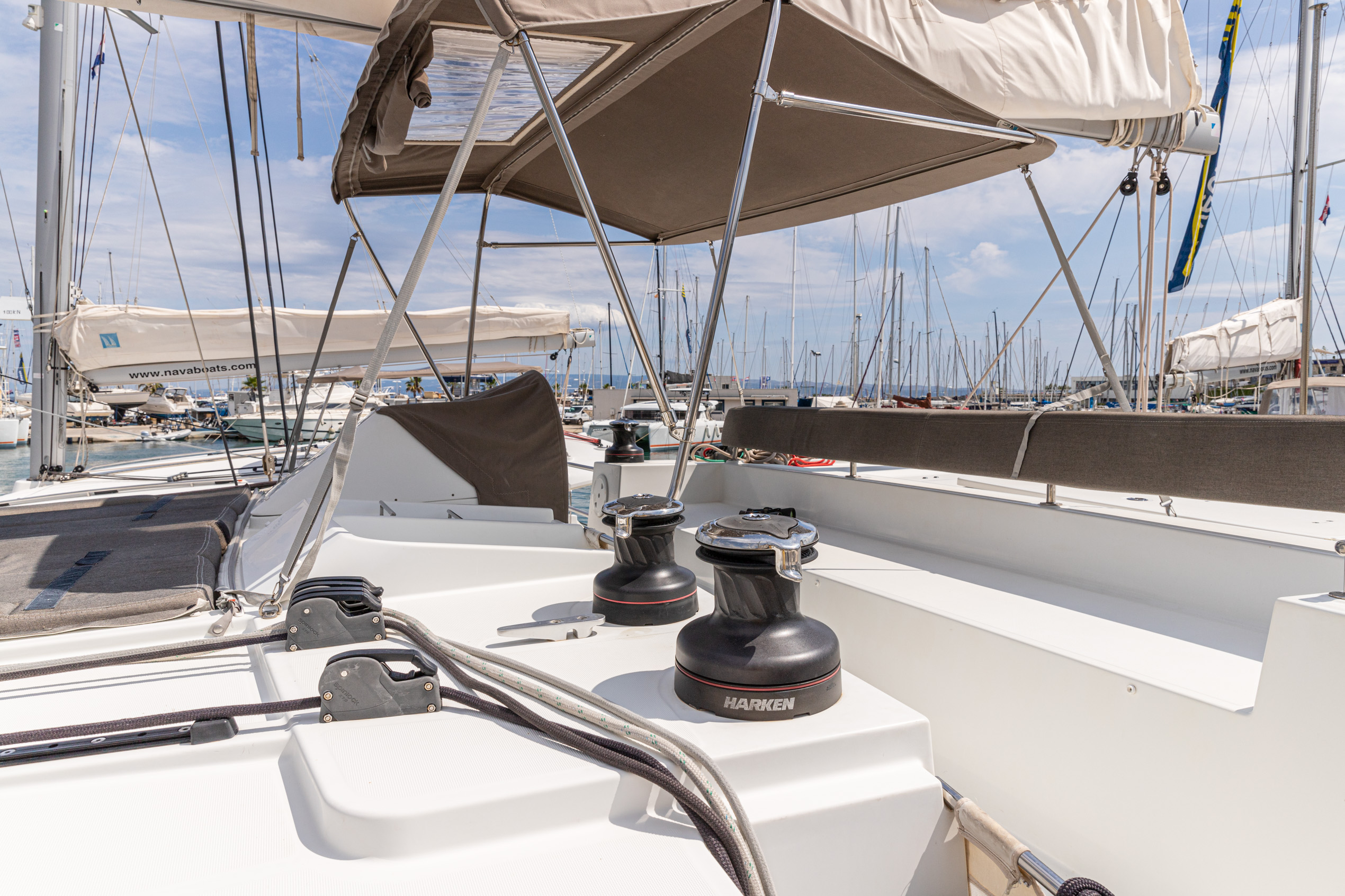 Lagoon 450 (2014) equipped with generator, A/C (sa (MUSTRA I)  - 16