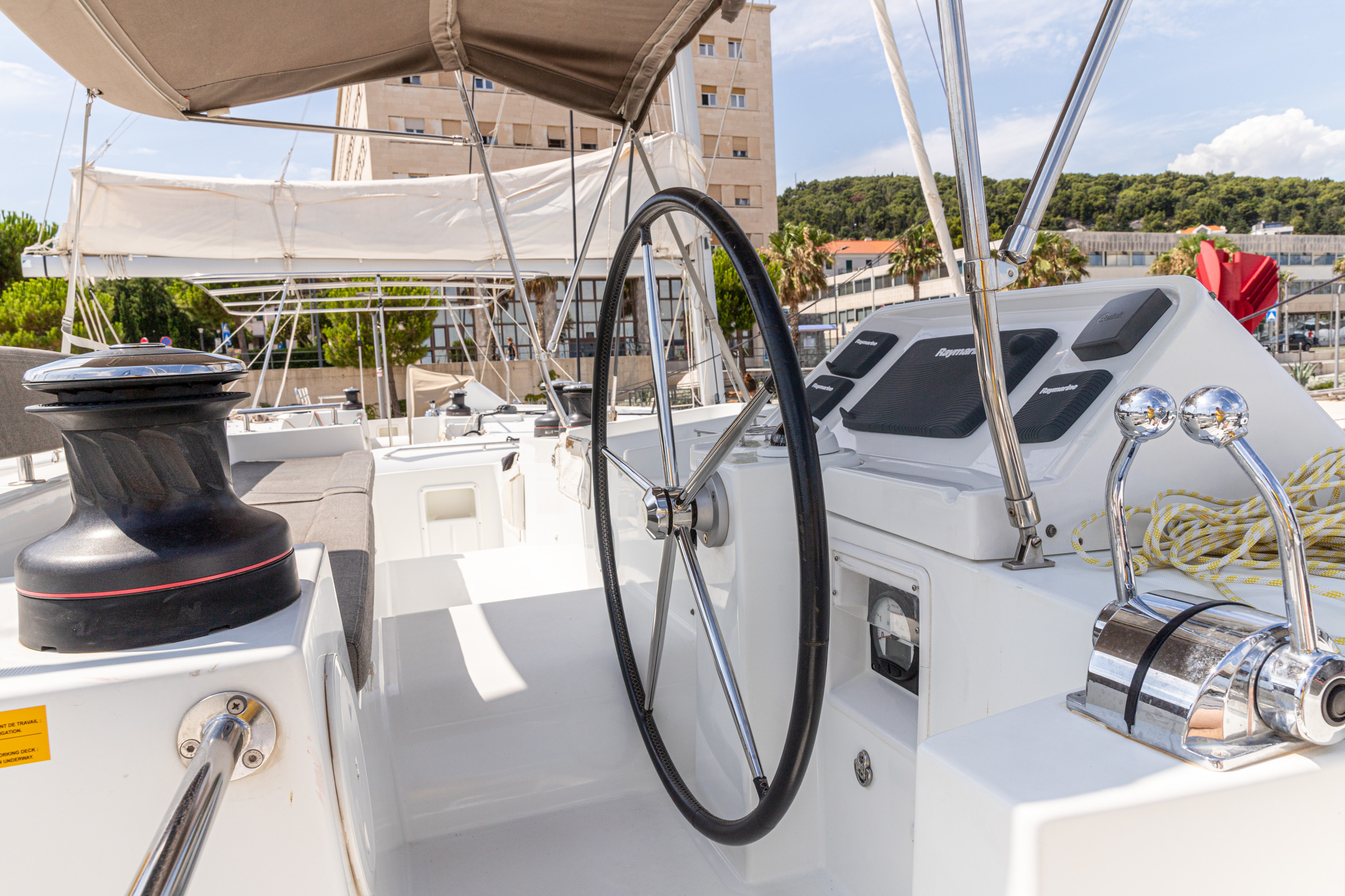 Lagoon 450 (2014) equipped with generator, A/C (sa (MUSTRA I)  - 4