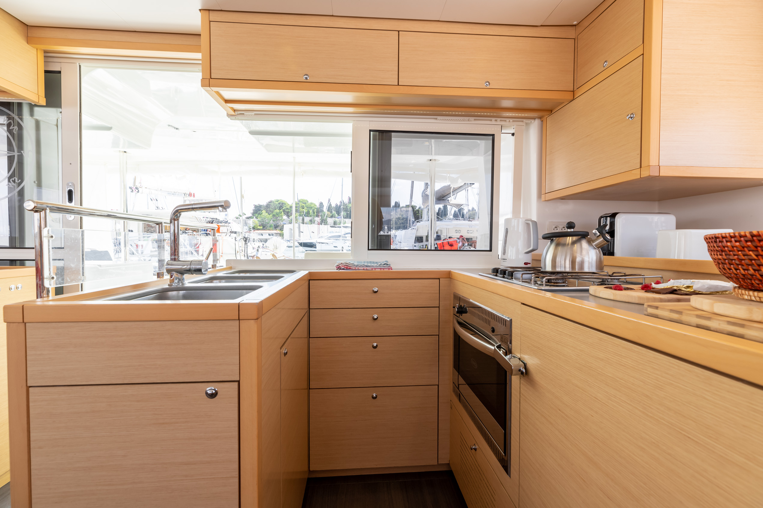 Lagoon 450 (2014) equipped with generator, A/C (sa (MUSTRA I)  - 7