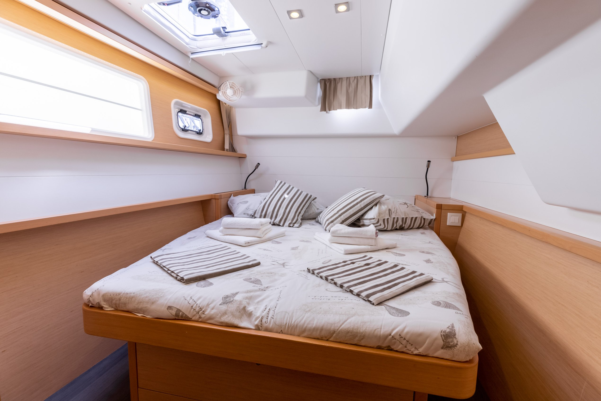 Lagoon 450 (2014) equipped with generator, A/C (sa (MUSTRA I)  - 8