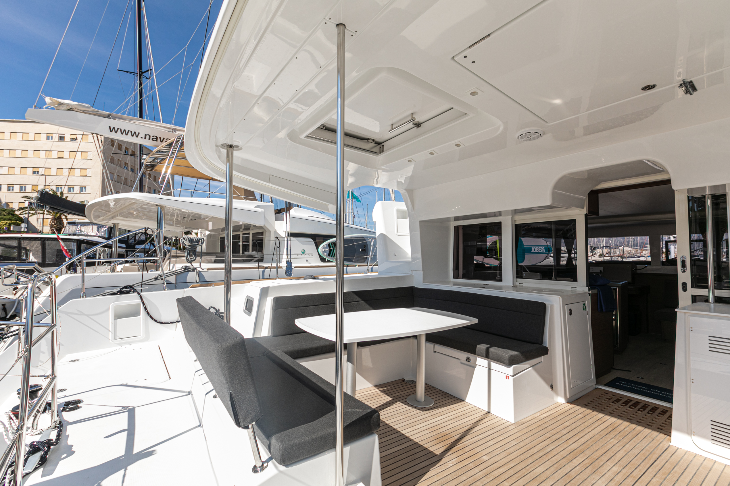Lagoon 450 F (2019) equipped with generator, A/C ( (WIDE DREAM)  - 12