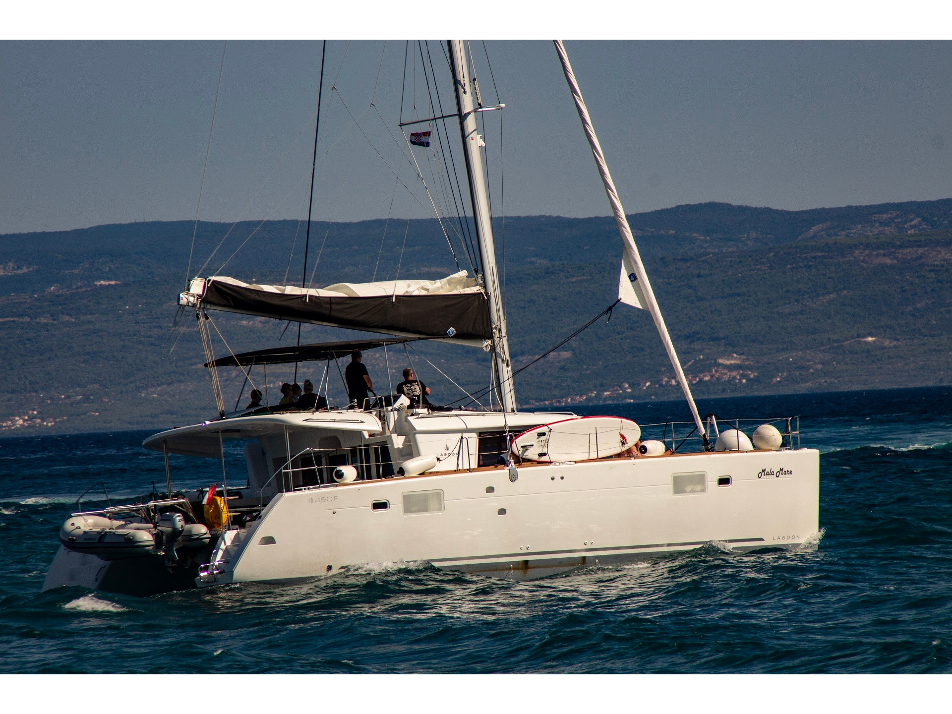 Lagoon 450 F (2018) equipped with generator, A/C ( (MALA MARE) Main image - 0