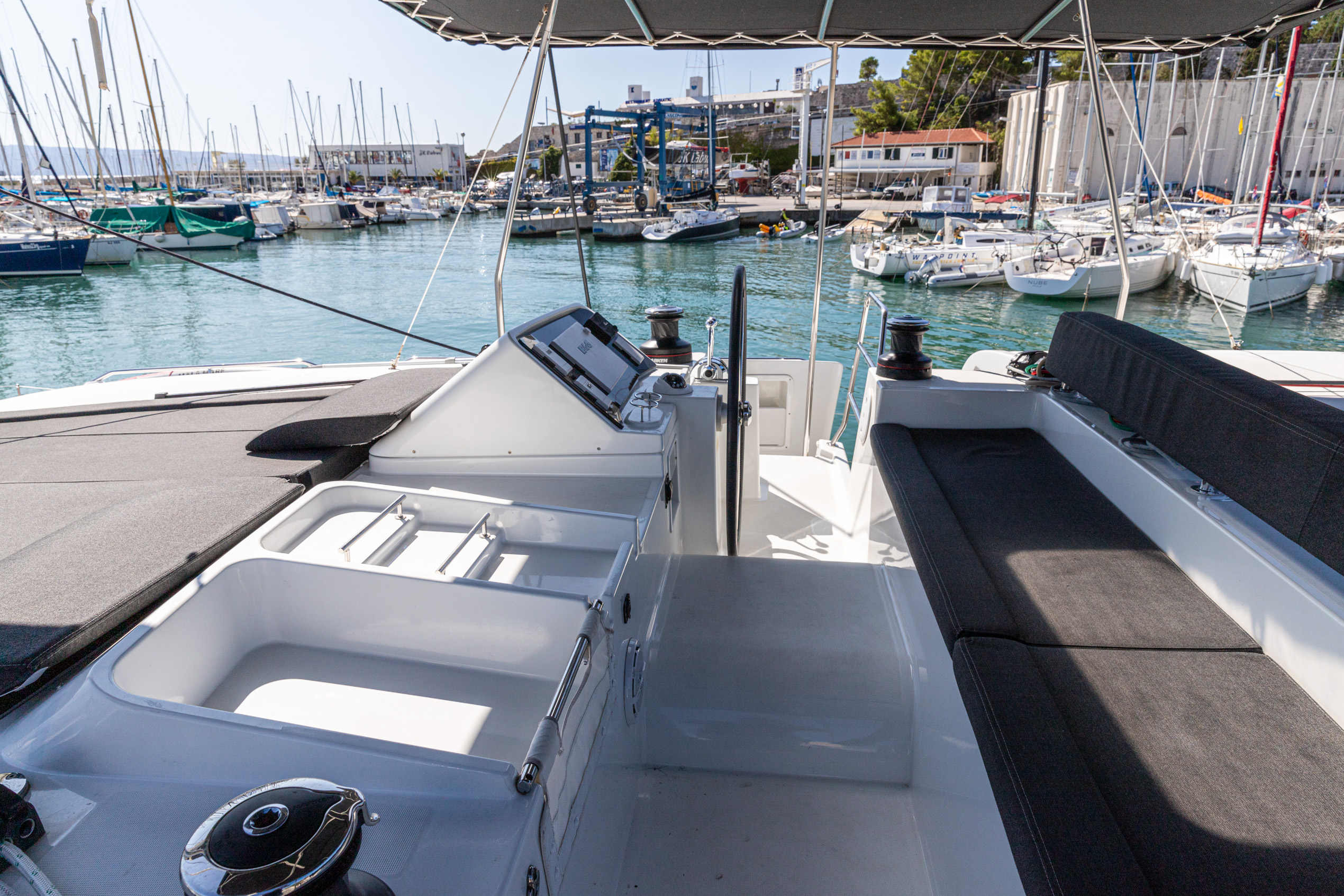 Lagoon 450 F (2018) equipped with generator, A/C ( (MALA MARE)  - 11