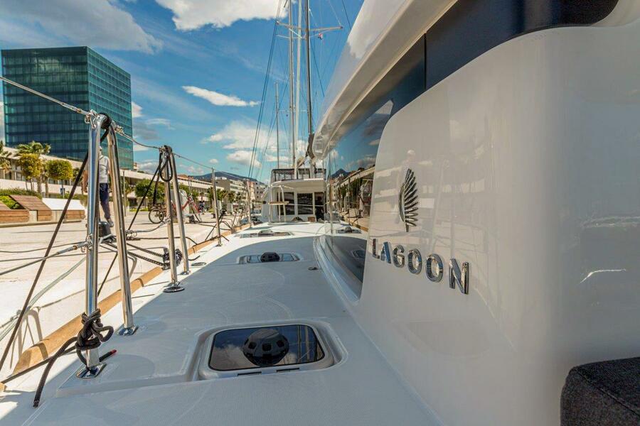 Lagoon 40 (2020) (SAILOR MOON)  - 4