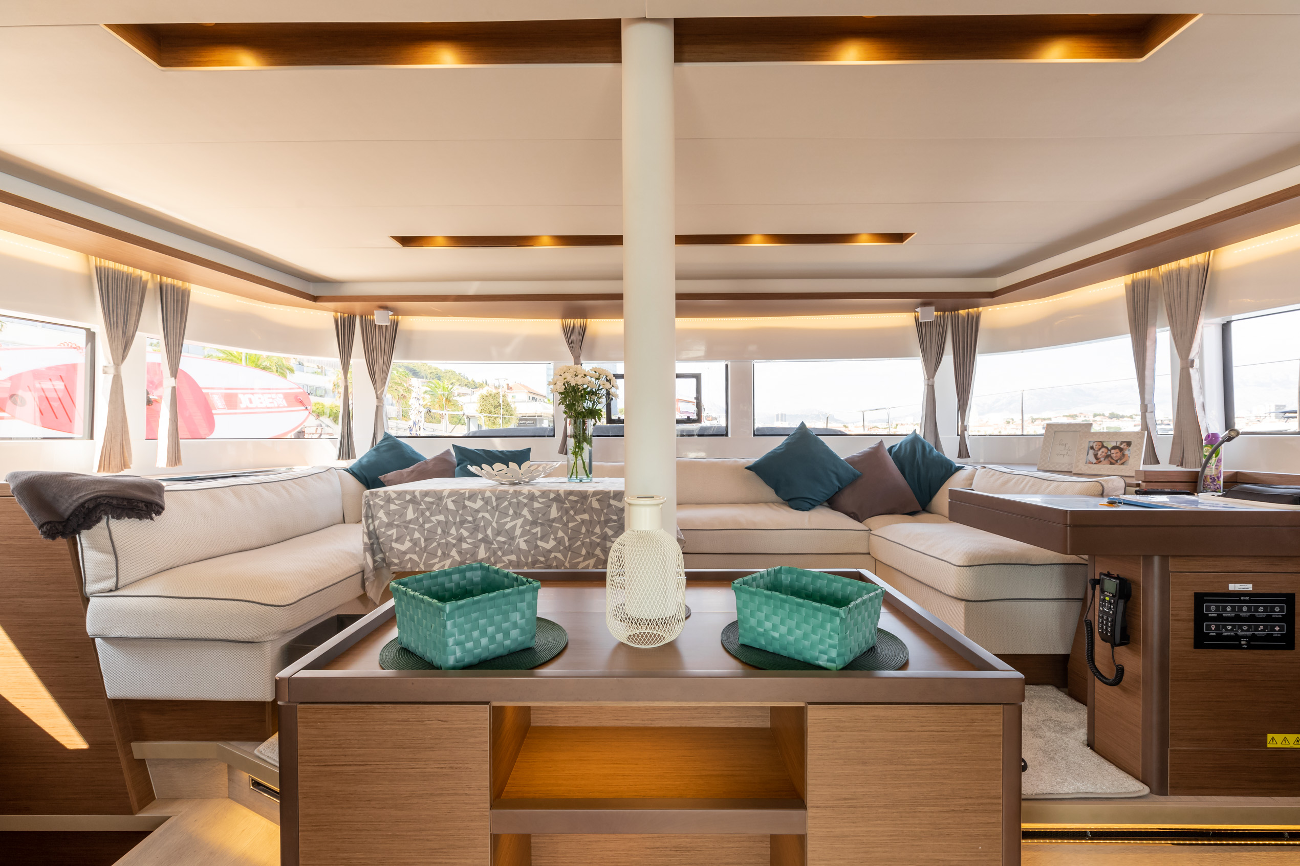 Lagoon 50 LUX (2020) equipped with airconditioning (PRINCESS KISS)  - 9