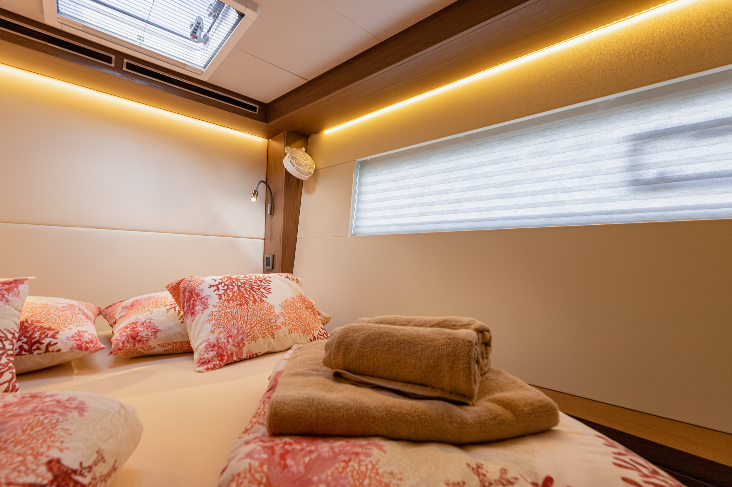 Lagoon 50 LUX (2020) equipped with airconditioning (PRINCESS KISS)  - 13