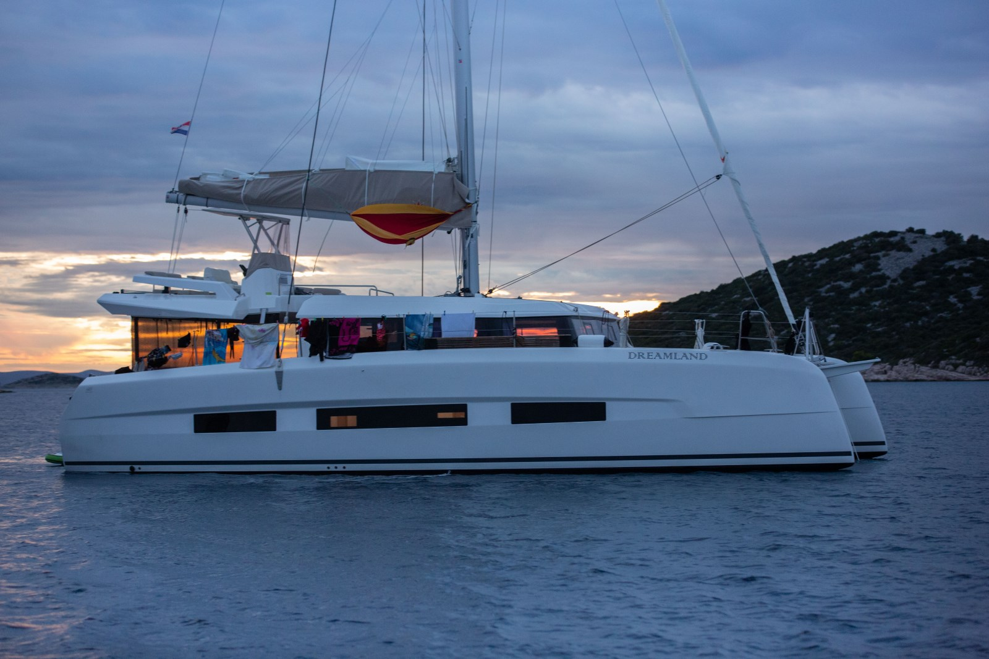 Dufour Catamaran 48 (Dreamland)  - 8