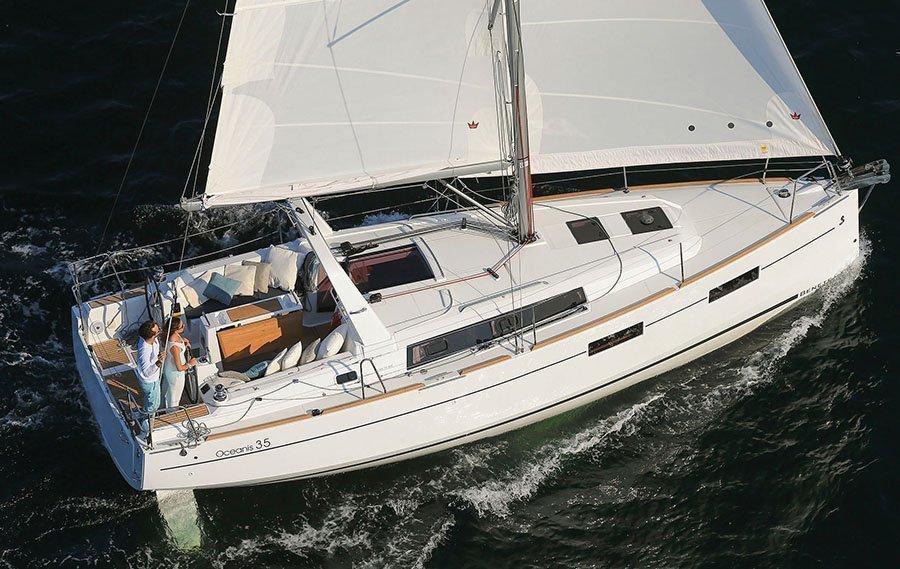 Oceanis 35 (Minta) Sailing - 28