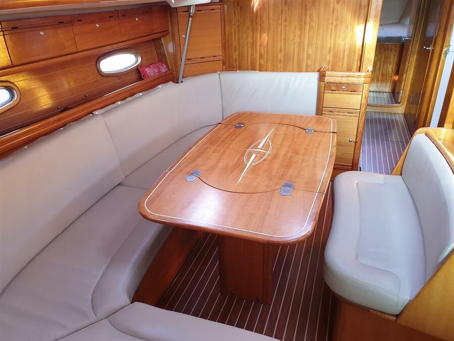 Bavaria Cruiser 50 (Naxia) Interior image - 1