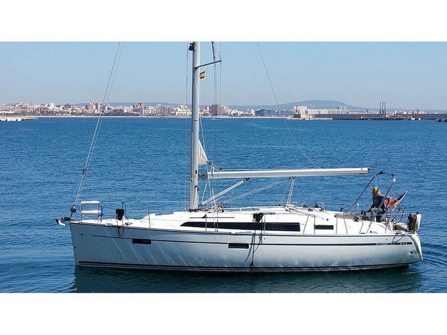 Bavaria Cruiser 37 (Black Pearl) Main image - 0