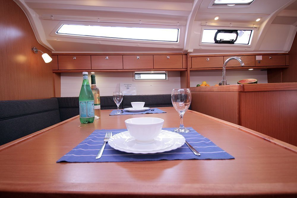 Bavaria Cruiser 37 (Black Pearl)  - 5