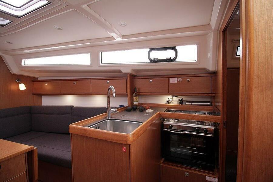 Bavaria Cruiser 33 (Callisto )  - 14