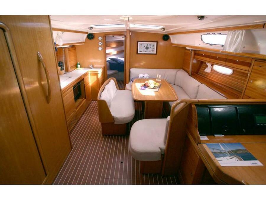 Bavaria 39 Cruiser (Xenia) Interior image - 1