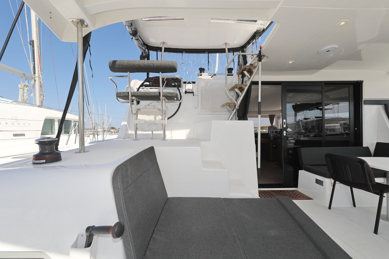 Lagoon 42 (ROYAL SALUTE AC Generator Dinghy with Console OB 20HP)  - 105