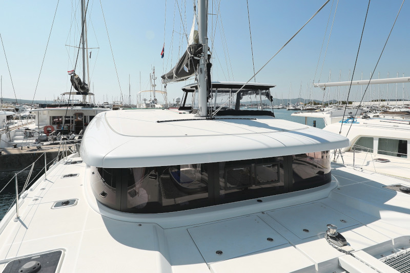 Lagoon 42 (ROYAL SALUTE AC Generator Dinghy with Console OB 20HP)  - 86