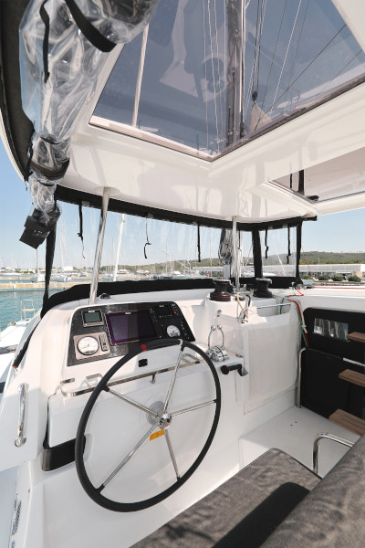 Lagoon 42 (ROYAL SALUTE AC Generator Dinghy with Console OB 20HP)  - 14