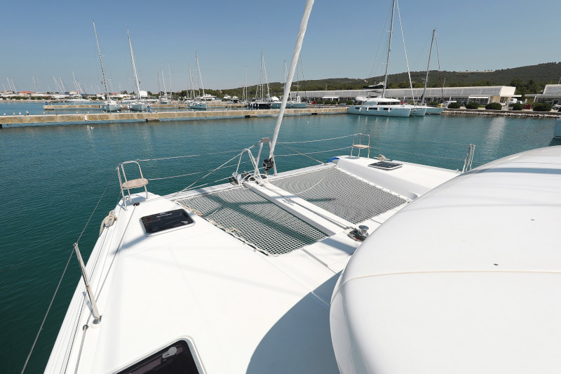 Lagoon 42 (ROYAL SALUTE AC Generator Dinghy with Console OB 20HP)  - 34