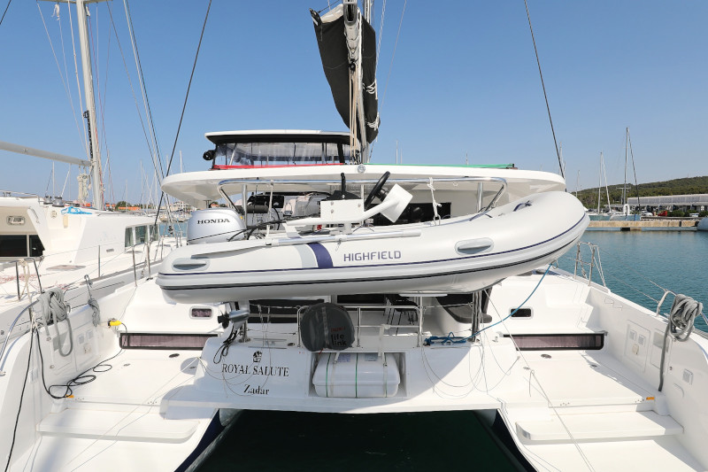 Lagoon 42 (ROYAL SALUTE AC Generator Dinghy with Console OB 20HP)  - 78