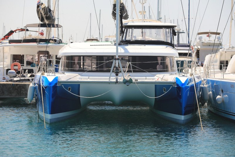 Lagoon 42 (ROYAL SALUTE AC Generator Dinghy with Console OB 20HP)  - 103