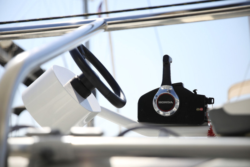 Lagoon 42 (ROYAL SALUTE AC Generator Dinghy with Console OB 20HP)  - 27