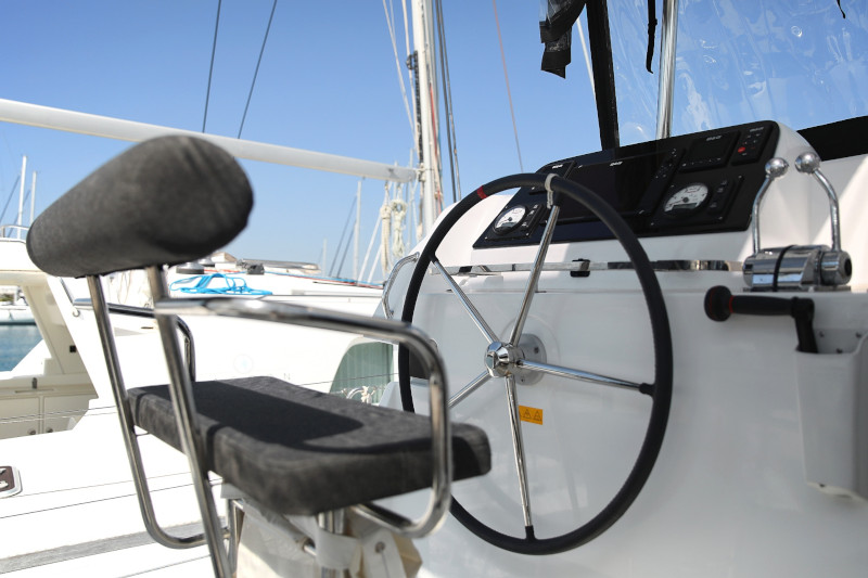 Lagoon 42 (ROYAL SALUTE AC Generator Dinghy with Console OB 20HP)  - 67