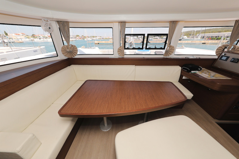 Lagoon 42 (ROYAL SALUTE AC Generator Dinghy with Console OB 20HP)  - 59