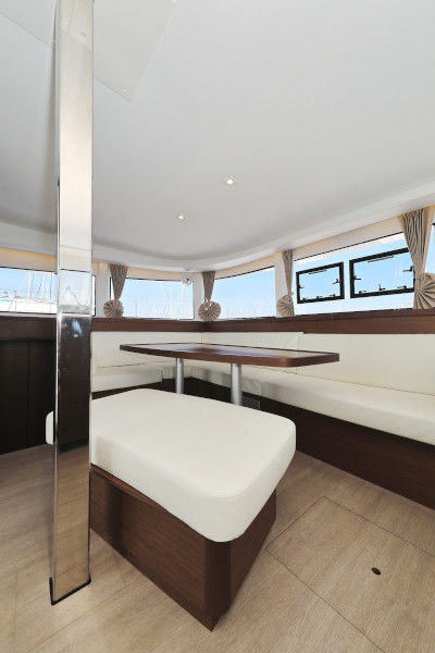 Lagoon 42 (ROYAL SALUTE AC Generator Dinghy with Console OB 20HP)  - 58