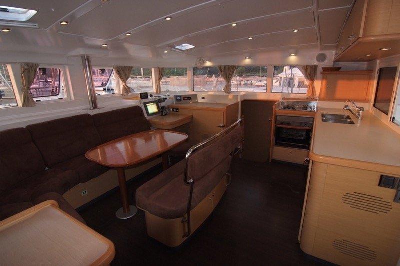 Lagoon 440 (4+2 cab) (OCEANUS)  - 5