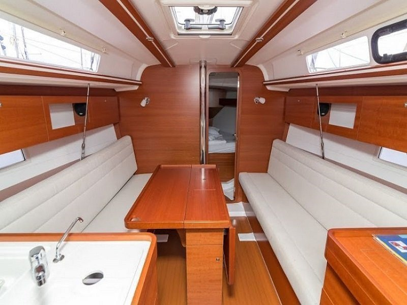 Dufour 335 Grand Large (PIPPI new sails 2018) Interior image - 6