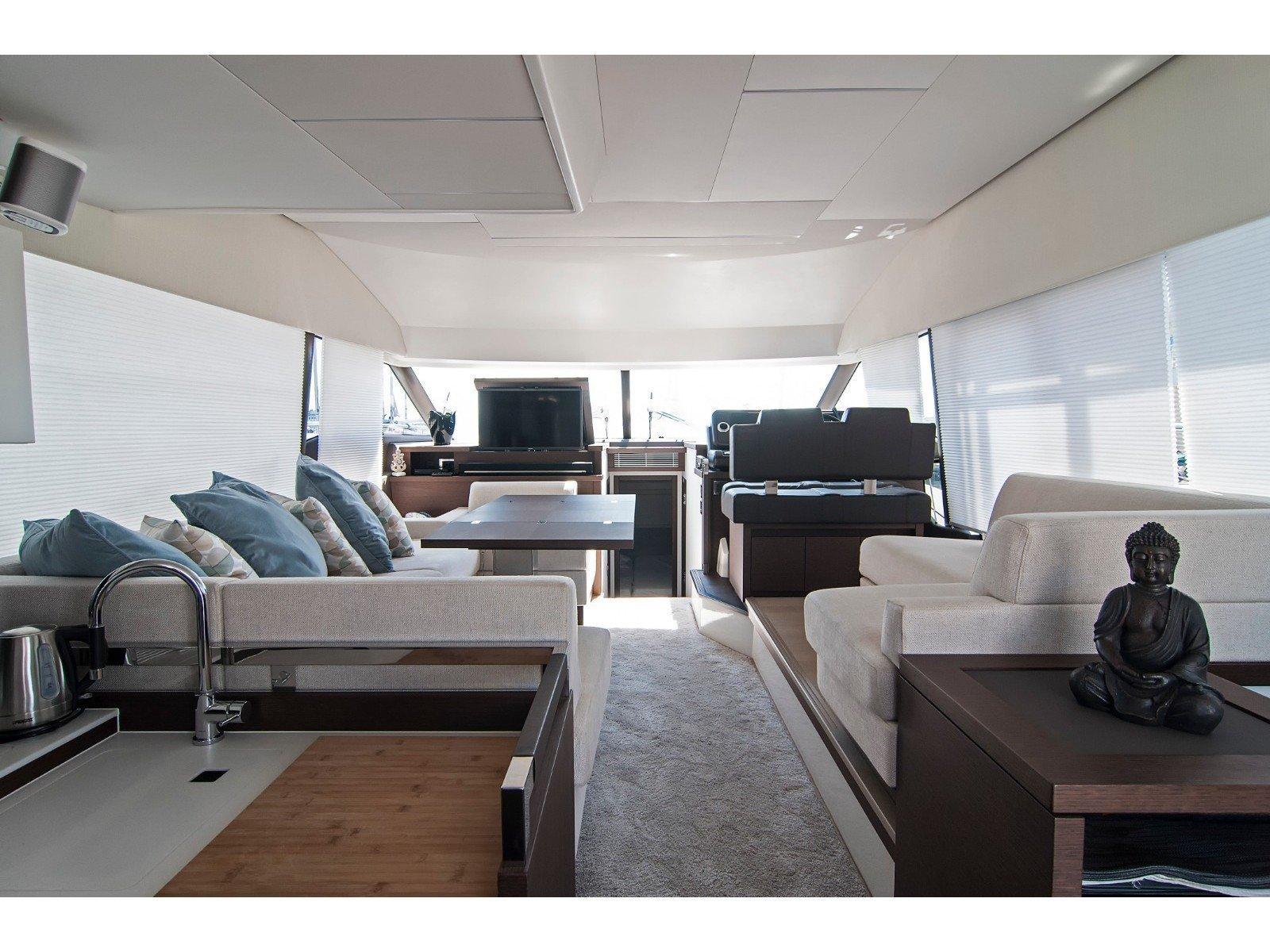 Prestige 520 Flybridge (WHY KNOT) Interior image - 12