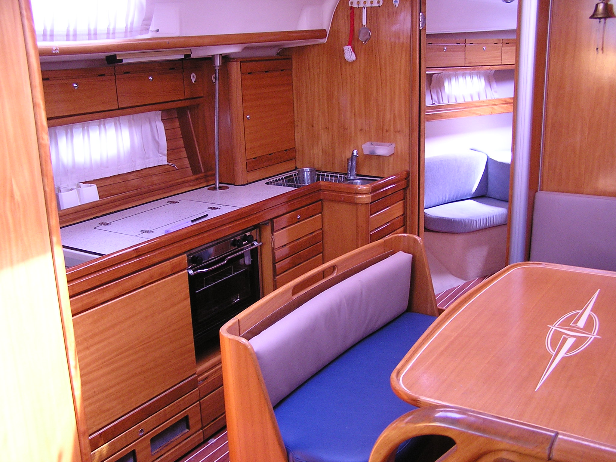 Bavaria 39 Cruiser (Julia) Interior image - 7